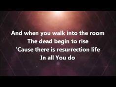 When You Walk into the Room || Bryan & Katie Torwalt - YouTube