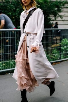 Street Style Paris Fashion Week Primavera Verano 2017 | Galería de fotos 8 de 82 | VOGUE