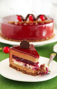 Chocolate cherry cake covered with a mirror coating. inspo for mangos mouse cake Fancy Desserts, Just Desserts, Delicious Desserts, Sweet Recipes, Cake Recipes, Dessert Recipes, Food Cakes, Cupcake Cakes, Chocolate Cherry Cake