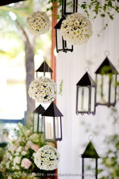 Garden wedding decor - lanterns and flowers Perfect Wedding, Our Wedding, Dream Wedding, Wedding Reception, Deco Floral, Hanging Lanterns, Hanging Flowers, Floating Lanterns, Candle Lanterns