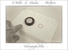 Chronographe Elvia - Impression du quantième sur un décalque transparent, avec quelques-uns de réserve.