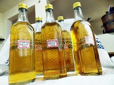 Sirop natural de salvie Whiskey Bottle, Creme, Detox, Smoothie, Food And Drink, Cooking Recipes, Canning, Drinks, Health