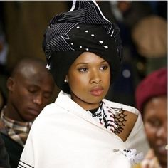 Nolitha Nkobole-Mhlongo Jennifer Hudson looking ravishing in a Xhosa traditional attire! Xhosa Attire, African Attire, African Wear, African Women, African Dress, African Style, African Traditional Wedding, African Traditional Dresses, Traditional Wedding Dresses