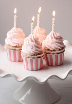 Happy Birthday Cupcakes on Sweetopia