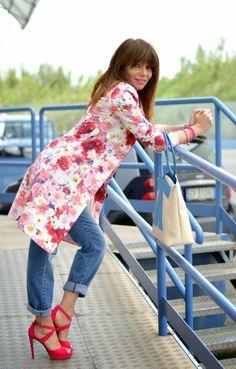 Don't Call Me Fashion Blogger!: Must have primavera 2014: il trench a fiori
