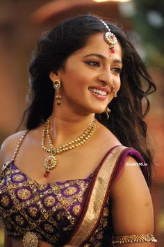 Anushka Shetty New Photo In Rudrama devi Telugu Movie