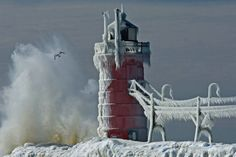South Haven, MI lighthouse in winter