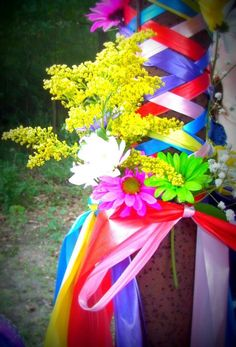 Blessed Beltane! : Another Maypole