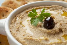 """This page contains homemade hummus recipes. Previous pinner said """"Hummus is a healthy recipe that can be used as a dip or a spread. It's fairly expensive to buy and relatively easy to make yourself. Healthy Bedtime Snacks, Healthy Snacks, Healthy Recipes, Easy Recipes, Healthy Eating, Healthy Sides, Healthy Fats, Chickpea Hummus, Snack Recipes"""