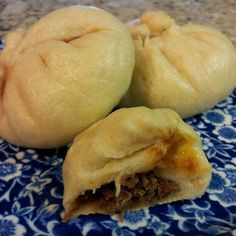 Asian Steamed Buns (rice cooker) – just like from a dim sum restaurant except you make them at home in your rice cooker! Asian Steamed Buns (rice cooker) – just like from a dim sum restaurant except you make them at home in your rice cooker! Aroma Rice Cooker, Rice Cooker Steamer, Rice Cooker Recipes, Cooking Recipes, Meal Recipes, Yummy Recipes, Chicken Recipes, Dinner Recipes, Yummy Food