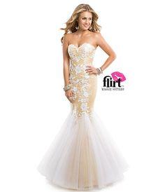 Loving the detail on tho dress
