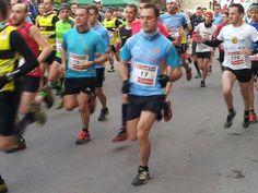 Atletas en forma Carrera, Running, Fashion, Shape, Athlete, Sports, Racing, Moda, Fashion Styles