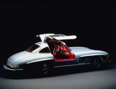 #mercedes #300sl #gullwing #w198 #andoniscars http://ift.tt/1oZkZn5  Caption orig.: Oft sind Automobile faszinierend aber selten sind sie auch ein Kunstwerk. Dieser im Studio mit sorgfÑltig gesetztem Licht fotografierte 300 SL wirkt mit den offenen FlÅgeltÅren wie eine moderne Skulptur.  Mercedes-Benz Typ 300 SL (W 198 I 1954 bis 1957).