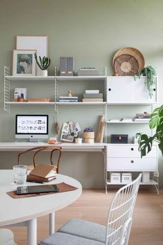Feng Shui Home Office Colors & Want a Feng Shui Office at Home? Here& How The post Home Office Feng Shui Using Lighting and Colors appeared first on Suggestions. Green Home Offices, Home Office Colors, Home Office Desks, Feng Shui Home Office, Sage Green Walls, Light Green Walls, Gray Green, Green Home Decor, Living Room Green