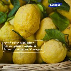 Gnid risten med citron før du griller i ovnen, så bliver risten lettere at rengøre. Et smart tips fra det danske kokkelandslaget #SamsungSmartTips