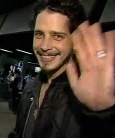 Chris waving :) so sweet!!!
