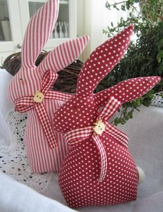 1422956309 446 - 1422956309 446 - idea the world training craft craft diy craft for kids craft no sew craft to sale Rabbit Crafts, Bunny Crafts, Easter Crafts, Sewing Crafts, Sewing Projects, Easter Fabric, Crochet Bunny Pattern, Fabric Toys, Easter Bunny