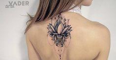 Artista Tatuador: Tatiana Vader. Tags: categorías, Ilustrativo, Naturaleza, Flores, Flores de loto, Religiosos, Hindúes. Partes del cuerpo: Espalda alta.
