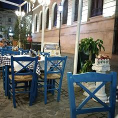 I knew I was missing Greece :x. On the list for next year. In the meantime Greek food in Perigiali -