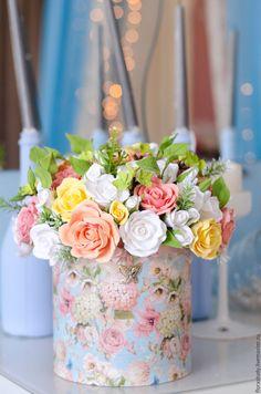 Купить Букет в подарочной коробке (цветы в шляпной коробке) - полимерная глина deco, decoclay