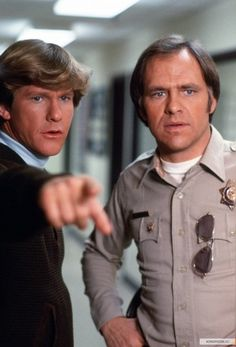 Jon and Gatraer Larry Wilcox, Chips Series, 80 Tv Shows, Big Friends, Old Tv, Classic Tv, The Good Old Days, Famous Faces, Favorite Tv Shows