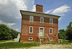 A once-thriving seaport just south of Annapolis on the South River, London Town's fortunes declined dramatically after the Revolution; by th...