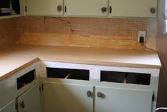 Want a new counter? Try this amazing copper countertops tutorial! Cheap Kitchen, Kitchen And Bath, New Kitchen, Kitchen Decor, Kitchen Design, Kitchen Ideas, Copper Countertops, Kitchen Countertops, Kitchen Cabinets