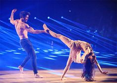 Meryl Davis and Maksim Chmerkovskiy dance a Freestyle routine on #DWTS Week 10 (5/19/14)