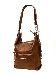 Ulrikan tyylikäs nahkainen laukku, mikä muuntautuu käden käänteessä repuksi! Erittäin käytännöllinen laukku on mukavaa pehmeää nahkaa ja monipuolisten taskujen ansiosta kaikki tavarat pysyvät hyvin paikoillaan - BeBag.fi