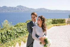 Rafael Nadal and Mery Perelló got married this weekend in the sunny Spanish island of Mallorca. The gorgeous wedding took place in a grand Spanish fortress! The post Rafael Nadal And Mery Perelló Just Said & Do& appeared first on Modern Wedding. Us Open, Rafael Nadal, Rosa Clara Wedding Dresses, Stunning Wedding Dresses, Richard Mille, Roger Federer, French Open, Spanish Islands, Klum