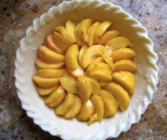 This custard peach pie recipe is the best peach pie recipe you'll ever make. Best Peach Pie Recipe, Peach Pie Recipes, Pie Dessert, Dessert Recipes, Delicious Fruit, Yummy Food, Peach Custard Pies, Dessert Cookbooks, Easy Desserts