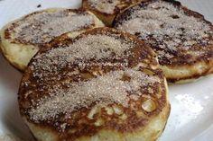 Babiččiny kynuté lívance | jitulciny-recepty.cz French Toast, Pancakes, Breakfast, Food, Basket, Morning Coffee, Essen, Pancake, Meals