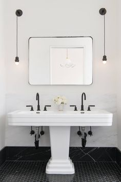 Steal This Look: A Classic NYC Bathroom with a Modern Edge - Remodelista A vintage Art Deco double sink, upgraded with modern fixtures, is the pièce de résistance in the room. White Bathroom, Modern Bathroom, Small Bathroom, Master Bathroom, Bathroom Mirrors, Bathroom Ideas, Shiplap Bathroom, Classic Bathroom, Boho Bathroom