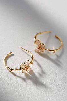Anthropologie Floating Butterfly Creolen A . - Your Anthropologie Favorites - Anthropologie Floating Butterfly Creolen A . - Your Anthropologie Favorites Ear Jewelry, Cute Jewelry, Gold Jewelry, Jewelery, Jewelry Accessories, Jewelry Design, Women Jewelry, Fashion Jewelry, Gold Bracelets