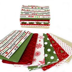 Fort Worth Fabric Studio: Fabric Frenzy Friday Christmas Patchwork, Christmas Fabric, Christmas Quilting, Quilted Table Toppers, Quilted Table Runners, Quilting Tutorials, Quilting Projects, Quilting Ideas, Christmas Present Quilt
