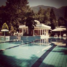 Una giornata di #sole a #Levico #Terme per attimi di #relax e #benessere! #travel #tips #trentino #italy #trentinoaltoadige #trentinodavivere #pool #piscinatime #termal #term #travelgram #likeforfollow #travelingtheworld www.trovabenessere.it