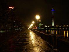 Düsseldorf bei Nacht, Foto: S. Hopp