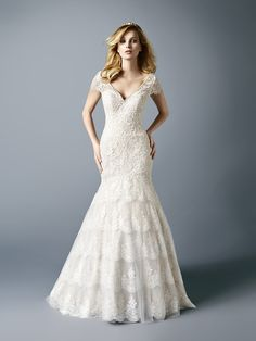 @valstefani mermaid wedding dress for a country chic bride!