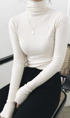 minimal chic - ¥style ¥ - - Brenda O. - - minimal chic – ¥style ¥ – – Source by antaochs Cute Fall Outfits, Fall Fashion Outfits, Woman Outfits, Mode Outfits, Look Fashion, Chic Outfits, Fashion Clothes, Trendy Fashion, Autumn Fashion