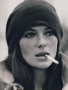 Jacqueline Bisset, 1977