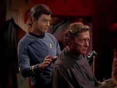 Star Trek Season 1 Episode 1 - The Man Trap (8 Sep. 1966), Dr. McCoy (DeForest Kelley) and Professor Robert Crater (Alfred Ryder)