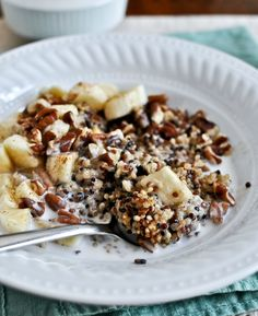 Fast Healthy Breakfast Recipes : this Breakfast Quinoa is one of my favorite morning meals - it's insanely health. Breakfast And Brunch, Quinoa Breakfast, Banana Breakfast, Breakfast Cereal, Breakfast Buffet, Brunch Recipes, Breakfast Recipes, Breakfast Cooking, Breakfast Snacks