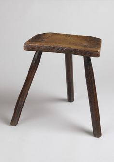 Traditional Three Legged Farmhouse Stool (Sold by Robert Young Antiques) Rustic Log Furniture, Medieval Furniture, Lawn Furniture, Country Furniture, Handmade Furniture, Farmhouse Stools, Rustic Stools, Rustic Bench, Robert Young