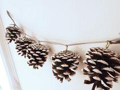 Guirlande en pommes de pin pour decorer son sapin, accrocher au mur ou apporter de la nature sur nos tables de fêtes