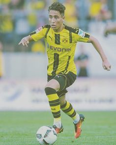 Watch out for the Turkish  talent of Emre Mor in the future. This jinky winder has all the tools to become a world star especially considering he is under the tutelage of Thomas Tuchel at Borussia Dortmund - Footyscout one to watch #footyscout #football #soccer #footy #thebeautifulgame #instasoccer #instalike #soccerplayer #soccerislife  #footballer #blogger #mls #follow #love #soccerblog #soccergame #futbol #footballclub #soccerball #footballmatch  #instadaily #soccerteam #instagood…