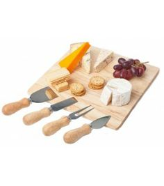 Square cheese board with 4 cheese knives 25cm x 25cm