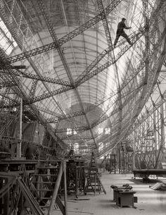 E.O.Hoppe. Construction of the 'Graf Zeppelin', Zeppelin Werke, 1928.
