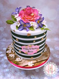 A Bee themed 50 Birthday - cake by Sweet Surprizes
