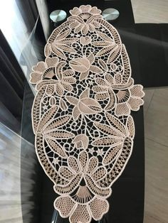 Romanian Lace, Point Lace, Snowflake Pattern, Tatting Patterns, Filet Crochet, Snowflakes, Elsa, Embroidery, Decor