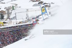 Marcel Hirscher of Austria in action during the Audi FIS Alpine Ski World Cup Men's Giant Slalom on January 07, 2017 in Adelboden, Switzerland